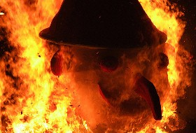 bruciare la vecchia.jpg